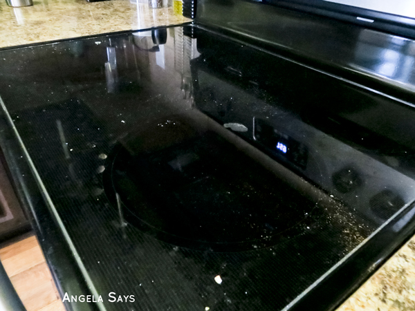 tips-cleaning-glass-cooktop